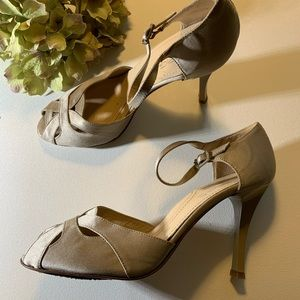 Via Spiga Satin champagne taupe heels ankle strap